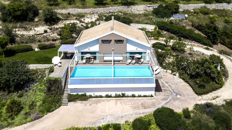 Afrodite villa di lusso con piscina in sicilia a ragusa