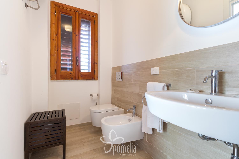 Vasche Da Bagno Oceano Prezzi : Oceano appartamento per vacanze a marina di ragusa in sicilia
