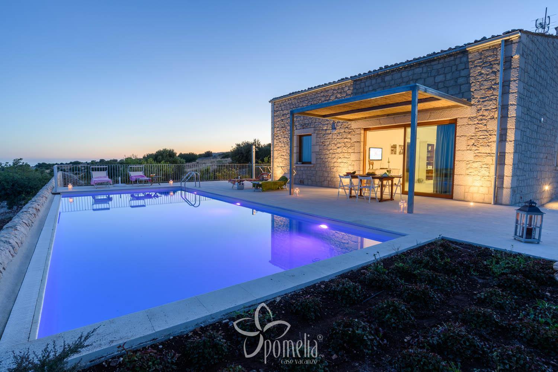 Lumia Villa Di Lusso Con Piscina In Sicilia A Donnalucata